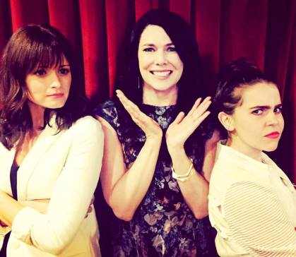 1433786568_alexis-bledel-lauren-graham-mae-whitman-zoom.jpg